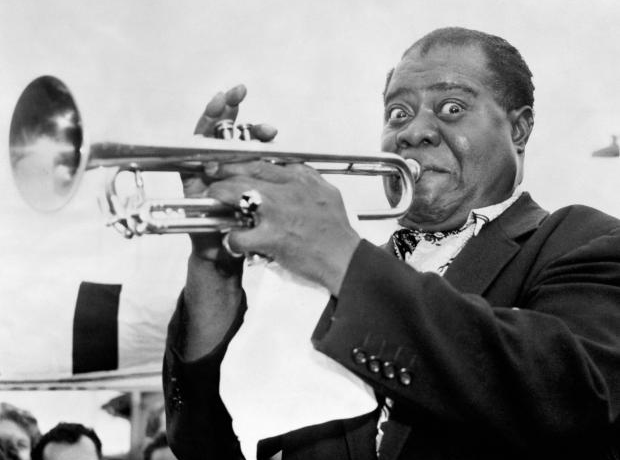 louis-armstrong-1392118332-view-0